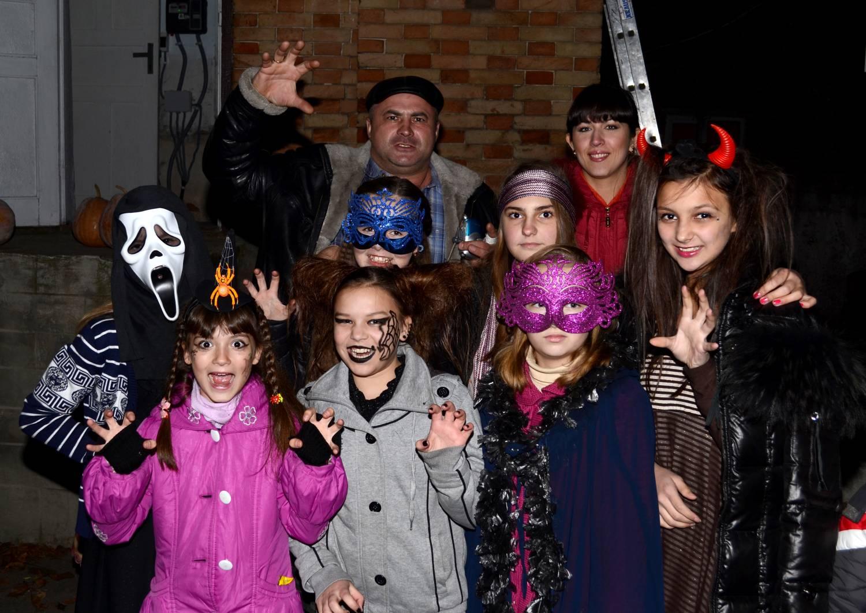 Альтернативный Хэллоуин в замке Попова